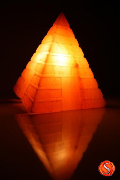 salzkristall lampe kristall pyramide salzlampe himalaya salzleuchte 1307 ebay. Black Bedroom Furniture Sets. Home Design Ideas